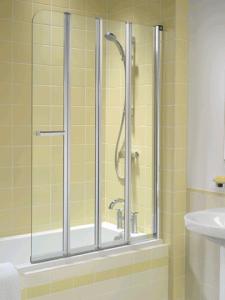 Żółte płytki w strefie wanny i prysznica