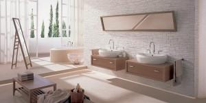 Salon kąpielowy z dużym oknem