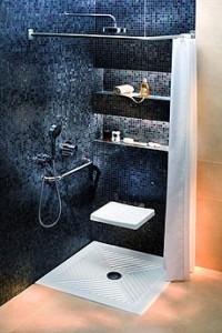 Siedzisko prysznicowe dla osoby niepełnosprawnej