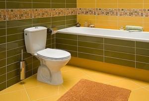 Kolorowe płytki w blokowej łazience
