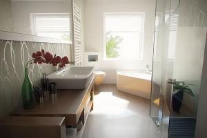 Jasna łazienka w eleganckim stylu