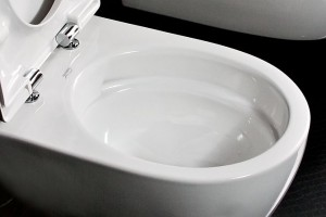 Miska WC Rimfree 4U bez kołnierza wewnętrznego