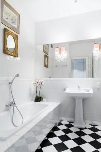 Eklektyczny charakter łazienki