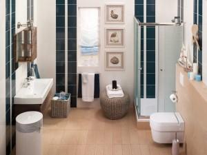 Marynistyczna łazienka w nowoczesnej odsłonie