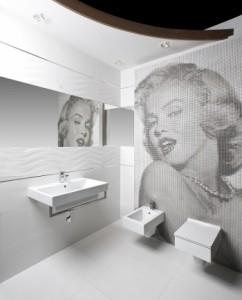 Pop-artowska stylizacja monochromatycznej łazienki