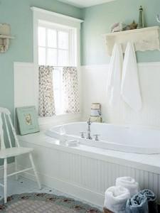 Pastelowa seledynowa zieleń w łazience