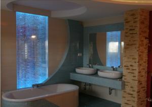 Ściana wodna bąbelkowa w łazience