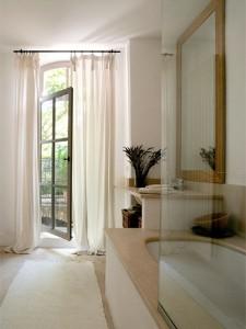 Luksusowa łazienka w śródziemnomorskim stylu