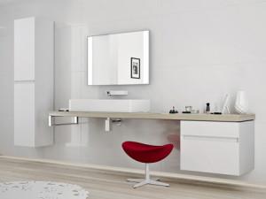 Meble z serii Quattro w kolorze połyskliwej bieli