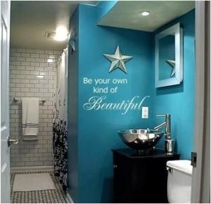 Naklejka-napis jako dekoracja ścienna w łazience