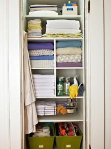 Skrytki, szafki i szuflady - niezawodny pomysł na porządek w każdej łazience.