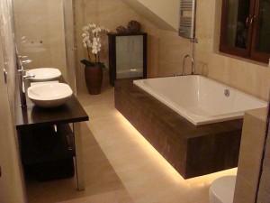 Łazienka z nutą ekstrawagancji